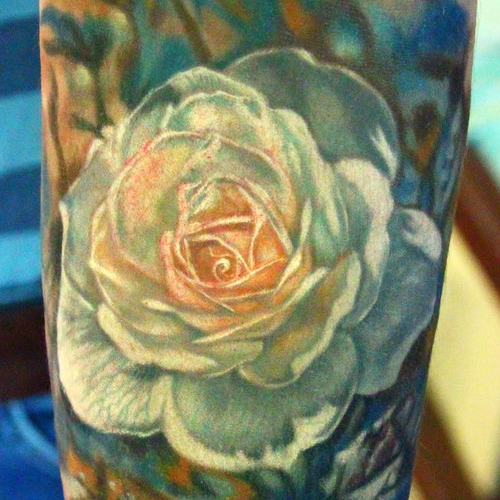 Татуировка белая роза