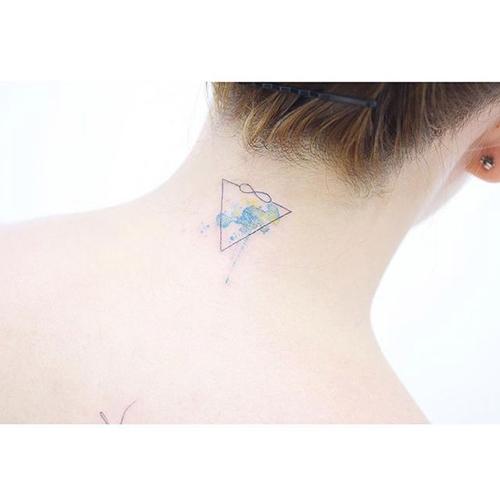 Эскизы для татуировок для девушек на руке надписи